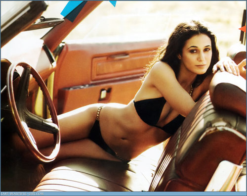 emmanuelle chriqui pics 2