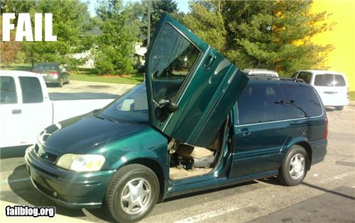 epic fail photos - Minivan Door Mod FAIL