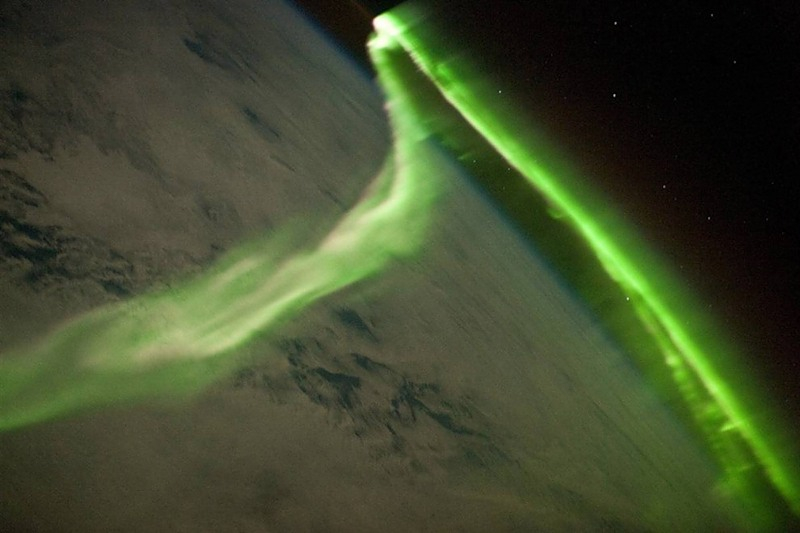 aurora-borealis-seen-from-orbit-[pic]