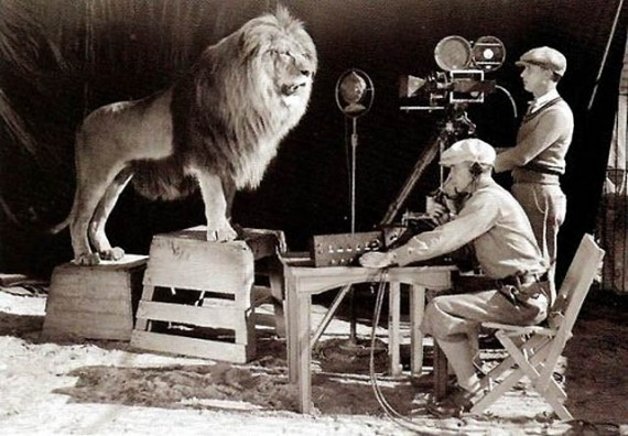 shooting-the-mgm-logo,-1924