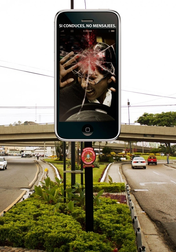 Gruesome Text And Drive Billboard From Ecuador