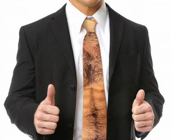 Boss asked for a new tie for christmas, found it. | Funny Pictures ...