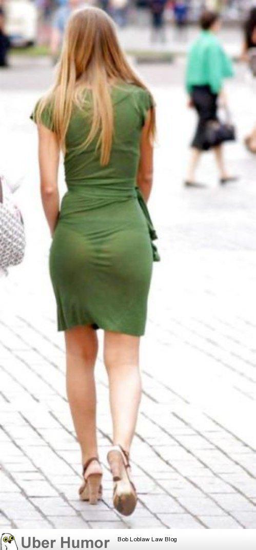 фото срывают одежду на улице