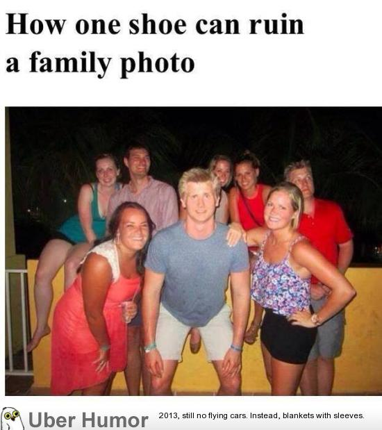How 1 Shoe Can Ruin A Family Photo Funny Pictures Quotes Pics