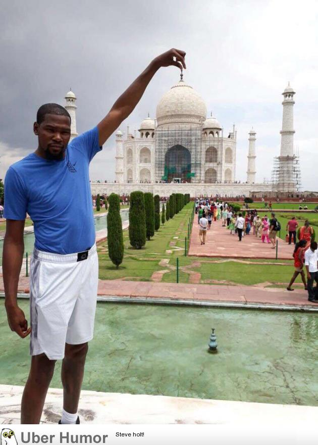 Kevin Durant At The Taj Mahal Funny Pictures Quotes Pics Photos