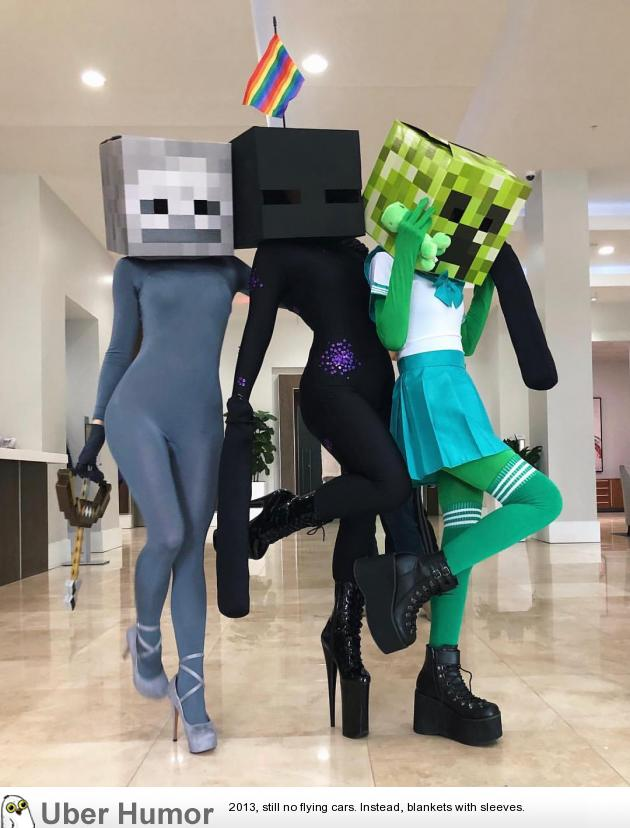 The most frightening Minecraft cosplay ever