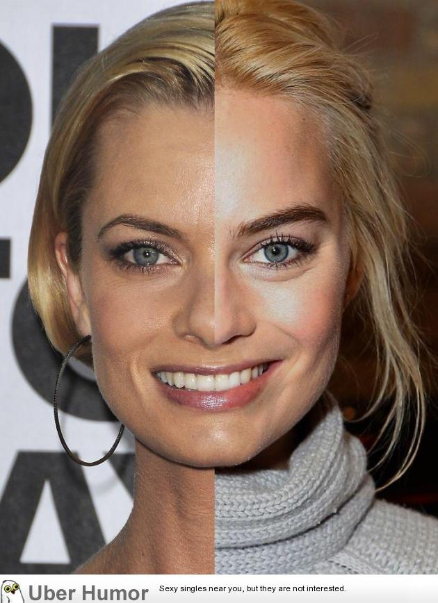 Jame Pressly side by side to Margot Robbie