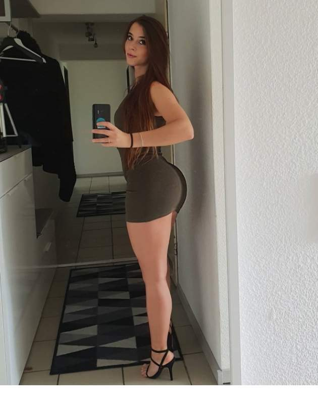 Nothing like hot girls in sexy dresses (40 Pictures