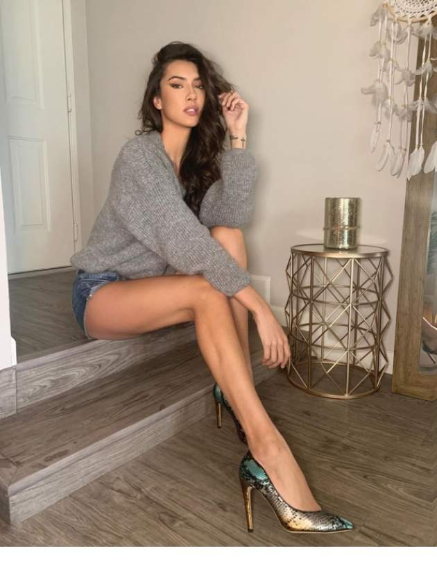 Hot girls and long legs (34 Pictures) | Funny Pictures